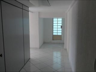 Aluga - se sala comercial na Penha com 72 m²