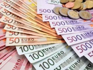INVESTIMENTO E CRÉDITO À SOLUÇÃO FINANCEIRA